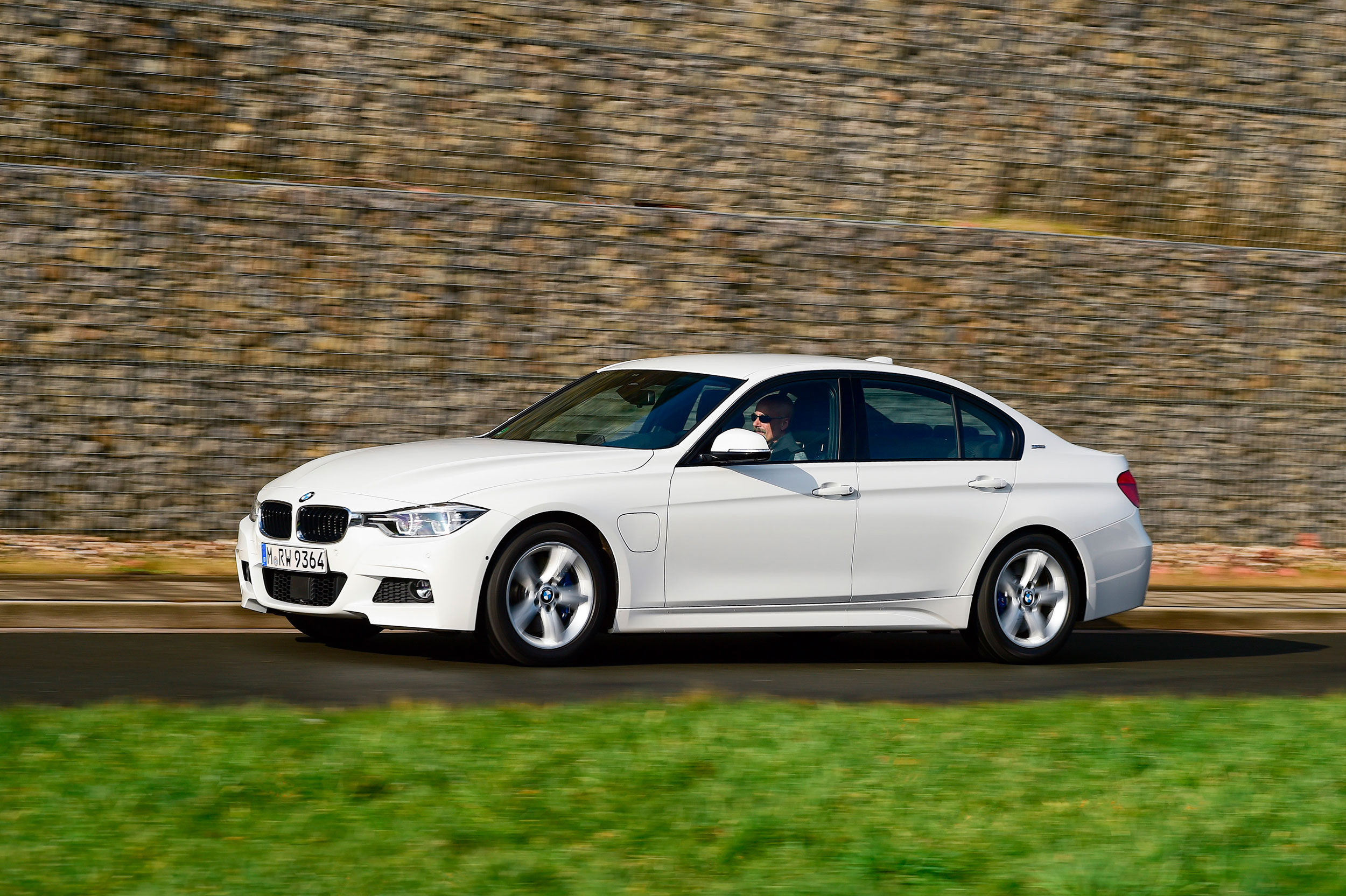 BMW 330e, Editorial, Automotiv, Autozeitung, Willi Nothers